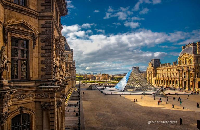 Architectural Photography - The Louvre by architectural photographer Sudhir Ramchandran